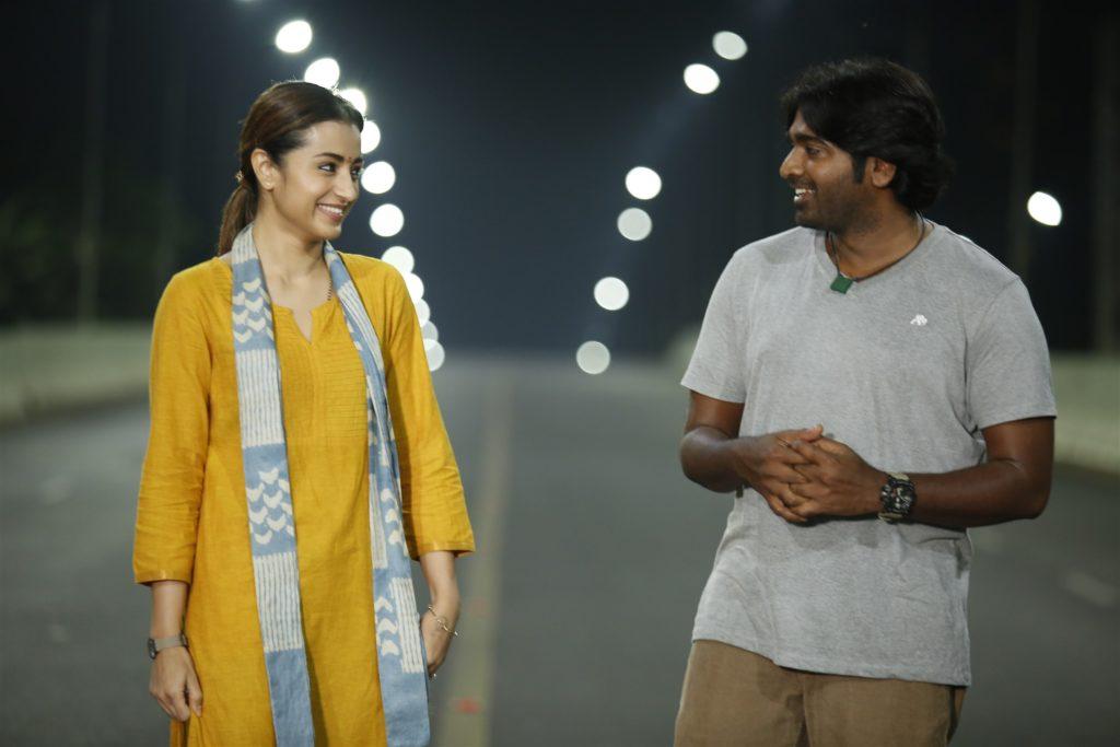 Trisha & Vijay Sethupathi in 96 movie-cinemabaaz.xyz