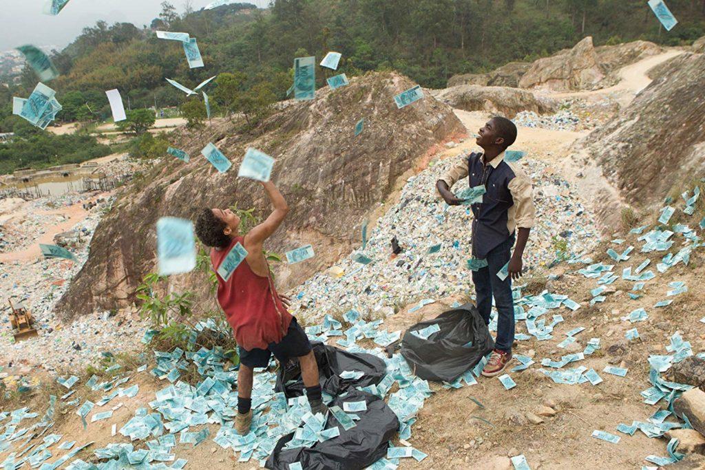 Eduardo Luis and Rickson Tevez in Trash (2014)-cinemabaaz.xyz